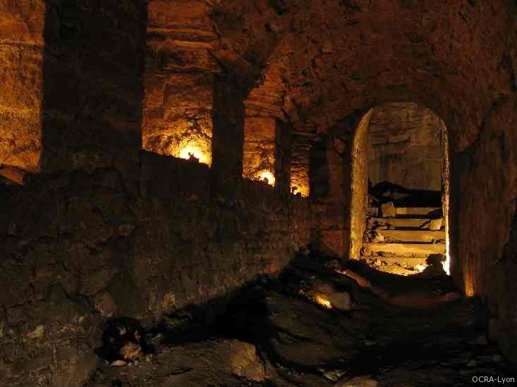 Partie basse de la galerie souterraine du Fort de Vaise, ancien chemin de garde semi-enterré